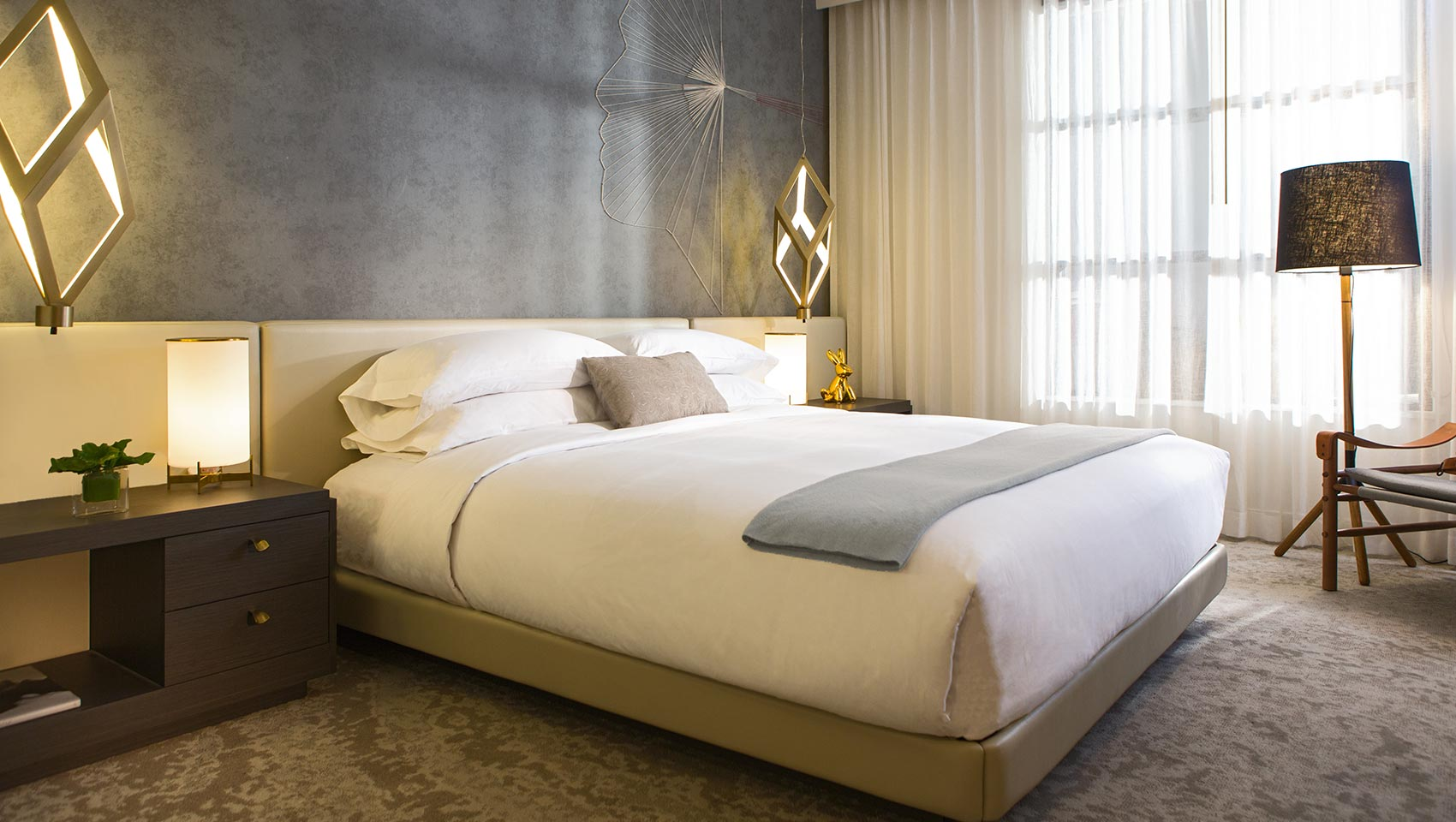 Kimpton La Peer Hotel West Hollywood king guestroom