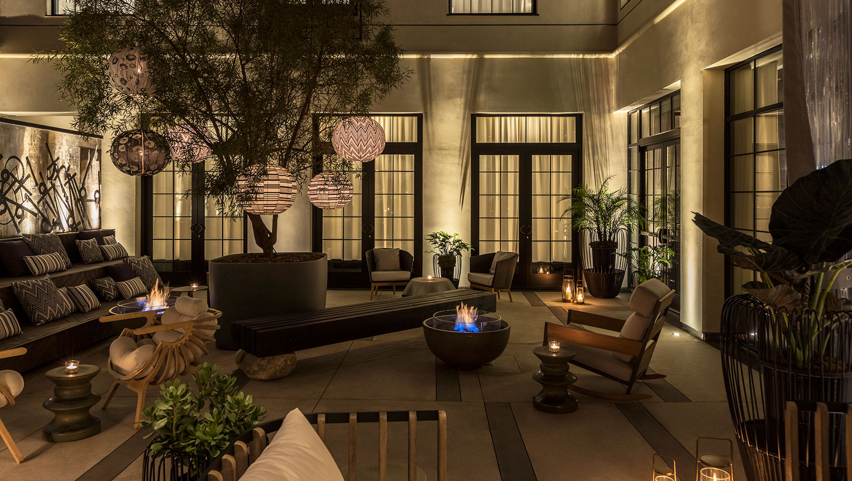 kimpton los angeles la peer hotel outdoor seating
